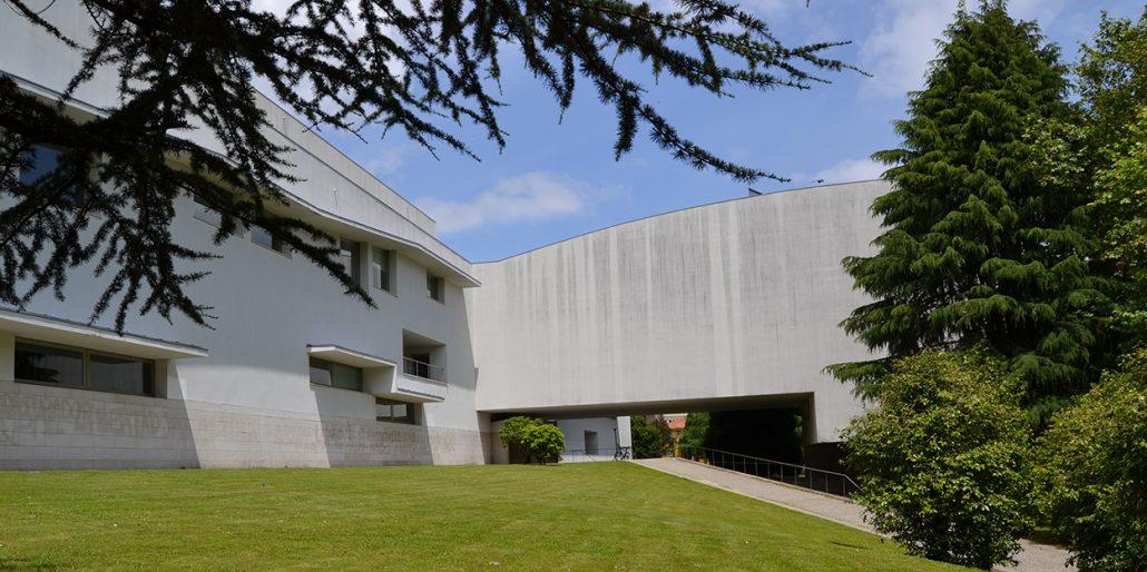 Lastra Arquitectos Asturias Arquitectos Gijon FACULTAD SANTIAGO COMPOSTELA EXTERIOR